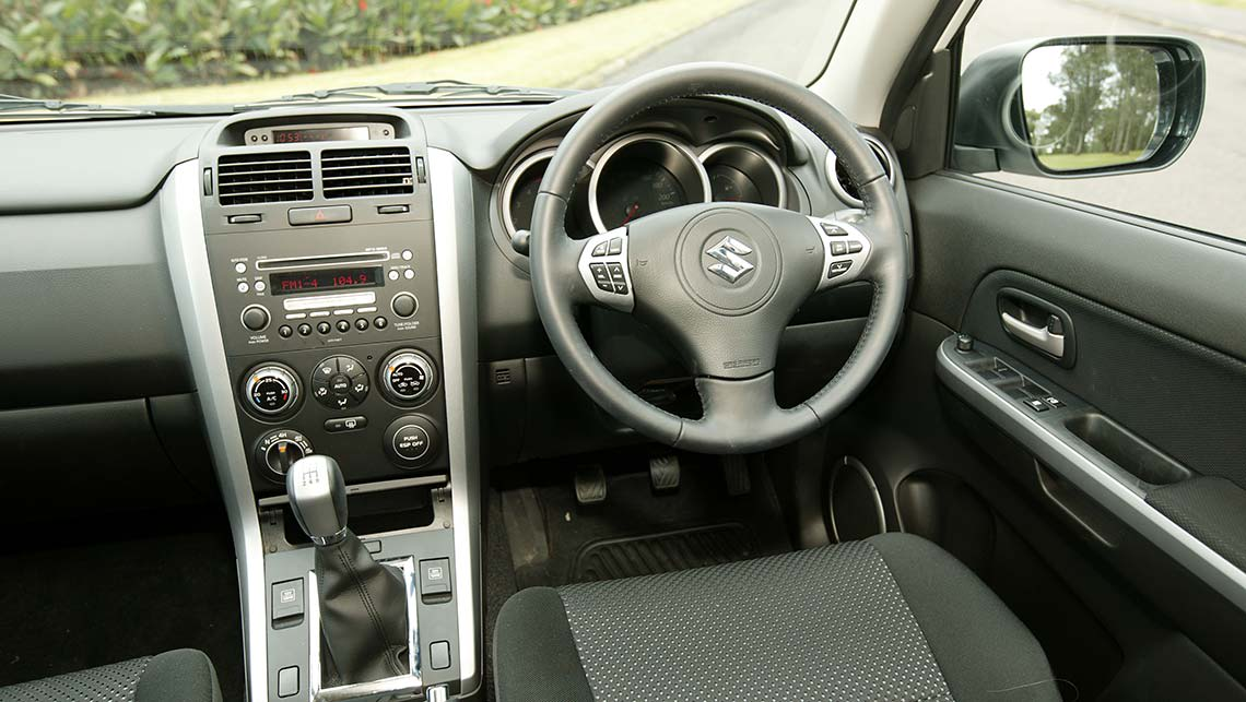 2012 suzuki grand vitara premium review