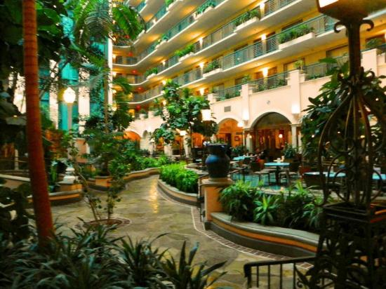 embassy suites by hilton miami international airport reviews